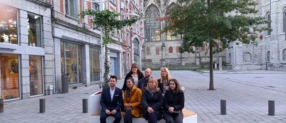 Inauguration du banc végétalisé du designer Nicolas Destino à Tournai